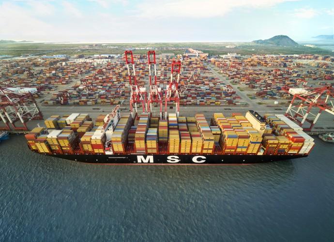 Do DCT Gdańsk płynie MSC Gülsün – największy kontenerowiec świata (foto, wideo) - GospodarkaMorska.pl
