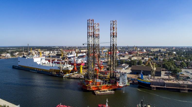 Platforma Petrobaltic przebudowana na Morskie Centrum Produkcyjne. Wkrótce rozpocznie pracę na złożu B8 (foto, wideo) - GospodarkaMorska.pl
