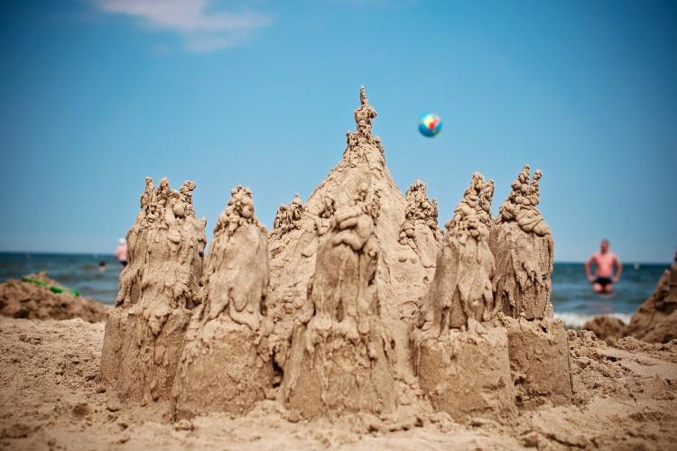 Zakaz budowy zamków z piasku na plażach koło Wenecji - GospodarkaMorska.pl