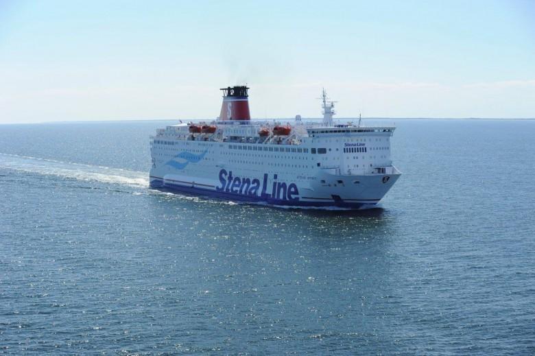 Prom Stena, ktory uległ awarii, jest już przy nabrzeżu - GospodarkaMorska.pl