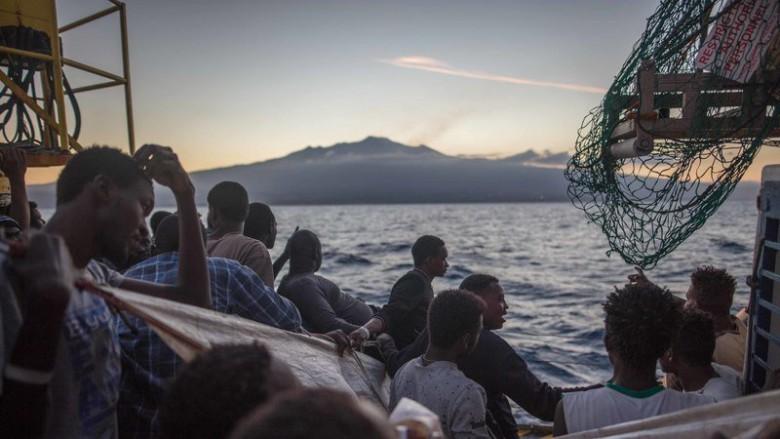 MSW Włoch: 1 200 migrantów przybyło od początku września - GospodarkaMorska.pl