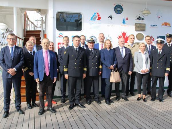 Współpraca Uniwersytetu Morskiego w Gdyni i Ocean Network Express LTD. - GospodarkaMorska.pl