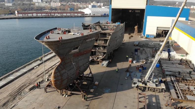 Zobacz, jak powstają statki w Karstensen Shipyard Poland (foto, wideo) - GospodarkaMorska.pl