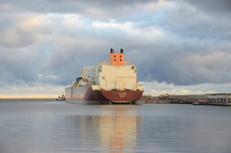 70. dostawa LNG dotarła do Świnoujścia - GospodarkaMorska.pl