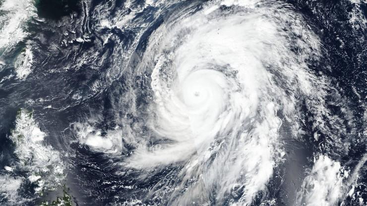 Do Japonii zbliża się supertajfun Hagibis, rząd wydał ostrzeżenia - GospodarkaMorska.pl