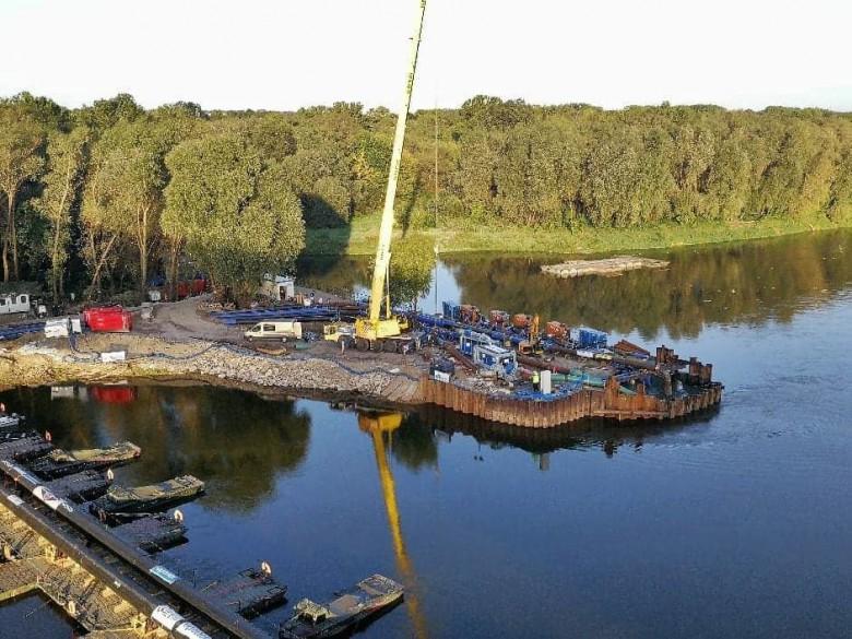 MON: Koszt mostu pontonowego pod rurociąg pompujący ścieki przez Wisłę - ponad 138 tys. zł - GospodarkaMorska.pl