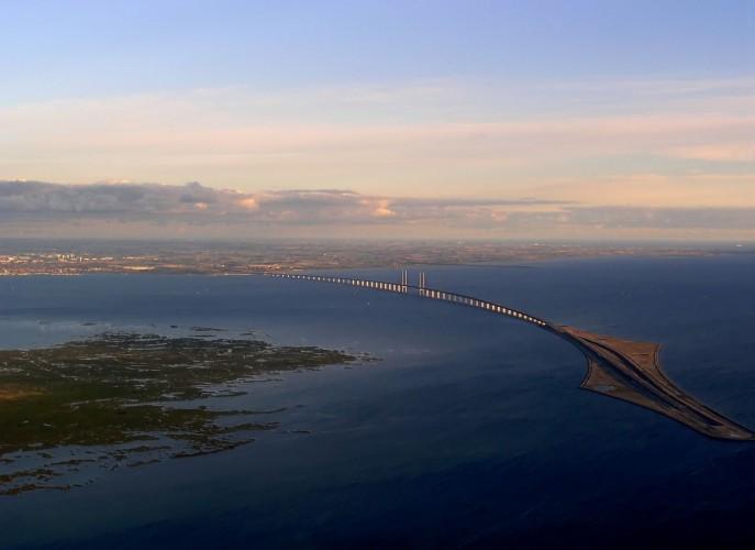 Dania rozpoczęła kontrole na granicy ze Szwecją, utrudnienia dla kierowców i podróżujących promami - GospodarkaMorska.pl
