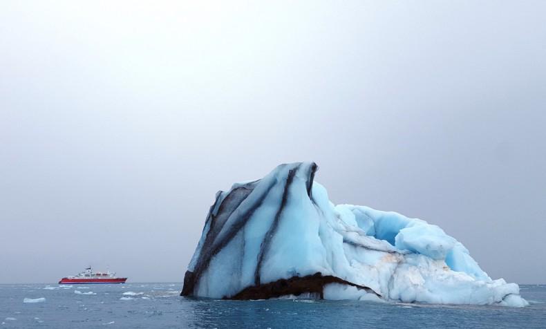 Operatorzy rejsów ekspedycyjnych wprowadzili zakazać używania i przewozu HFO na Arktyce - GospodarkaMorska.pl