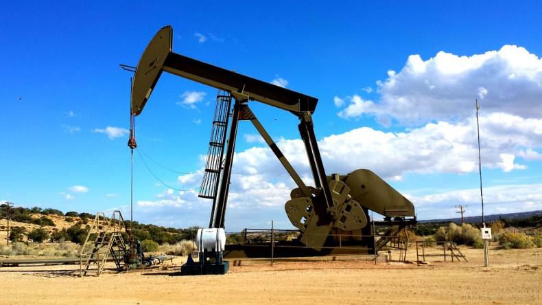 Ropa w USA idzie w górę - GospodarkaMorska.pl