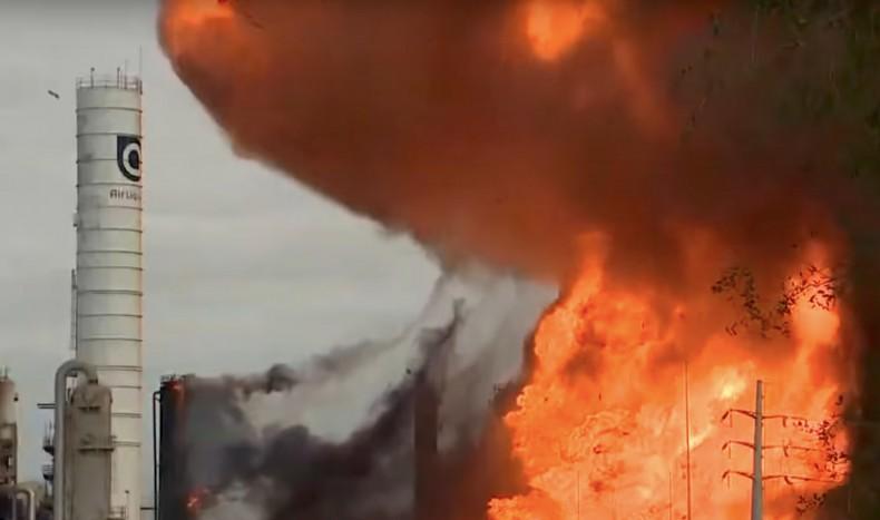 USA: Seria eksplozji w rafinerii w Port Neches, ewakuacja czterech miejscowości [wideo] - GospodarkaMorska.pl