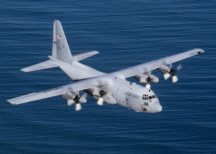 Chile: Z morza wyłowiono szczątki samolotu, prawdopodobnie zaginionego Herculesa - GospodarkaMorska.pl