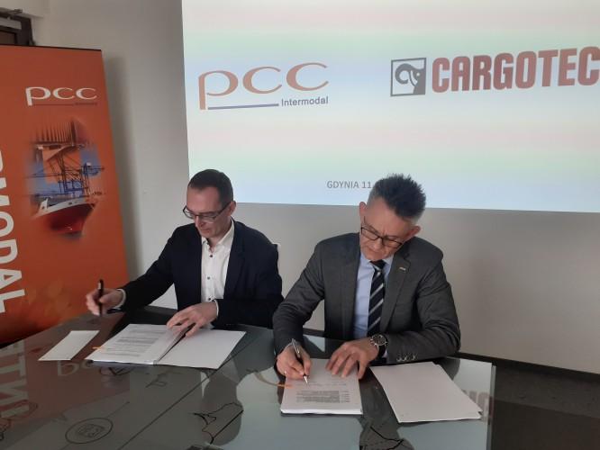 Kolejne 4 urządzenia przeładunkowe zasilą terminale PCC INTERMODAL SA - GospodarkaMorska.pl