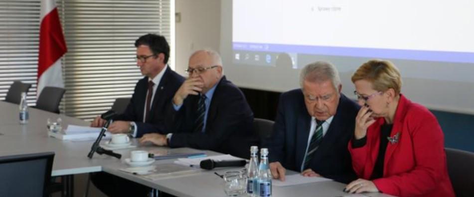 Ostatnie posiedzenie Państwowej Rady Gospodarki Wodnej IV Kadencji - GospodarkaMorska.pl