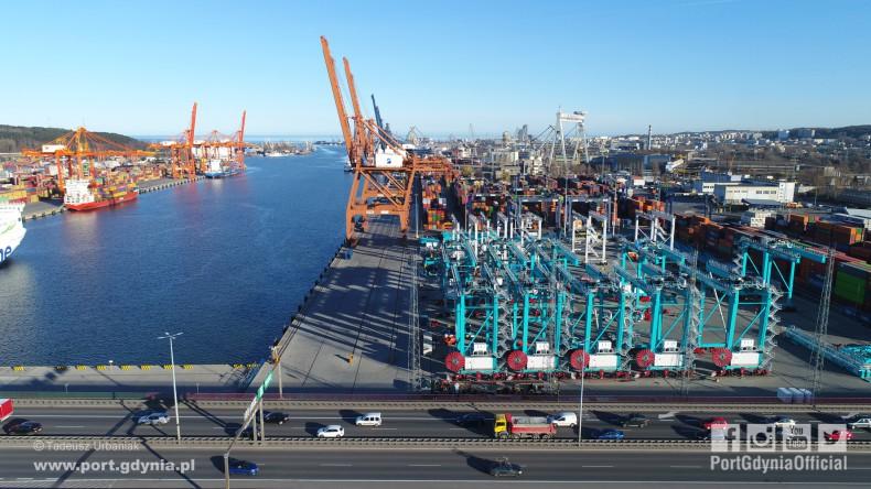 86 suwnic z Gdyni trafi do amerykańskich terminali kontenerowych - GospodarkaMorska.pl