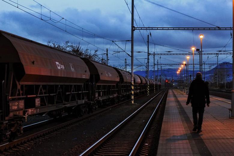 KE zatwierdziła 128 mln euro na inwestycje kolejowe w Polsce - GospodarkaMorska.pl
