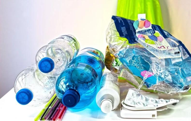 Norwegian Cruise Line eliminuje plastikowe butelki w całej flocie - GospodarkaMorska.pl