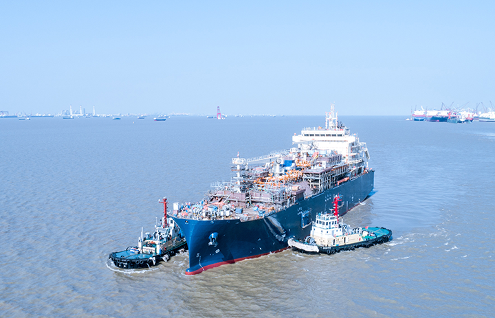 Największa bunkierka LNG na świecie po próbach morskich - GospodarkaMorska.pl