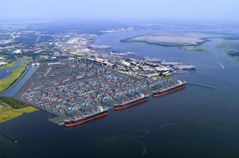 Port w Charleston z rekordami przeładunków pomimo napiętej sytuacji geopolitycznej - GospodarkaMorska.pl