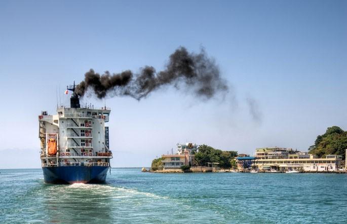 Przewoźnicy chcą obniżyć emisję zanieczyszczeń dzięki użyciu paliwa amoniakowego - GospodarkaMorska.pl