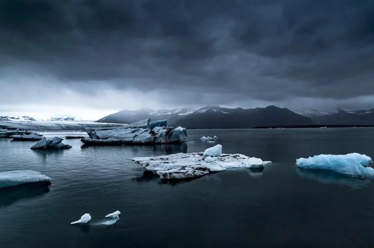 Czy lodowce mogą być wtórnym źródłem zanieczyszczeń? Niektóre chemiczne skutki coraz cieplejszego klimatu - GospodarkaMorska.pl