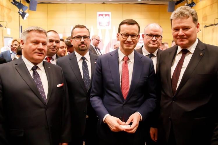 Polsko-japońska współpraca gospodarcza w trzech wymiarach. Na tapecie między innymi Port Zewnętrzny w Gdyni - GospodarkaMorska.pl