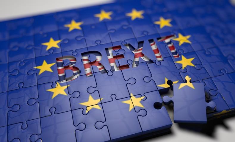 Parlament Brytyjski ostatecznie przyjął ustawę o brexicie - GospodarkaMorska.pl