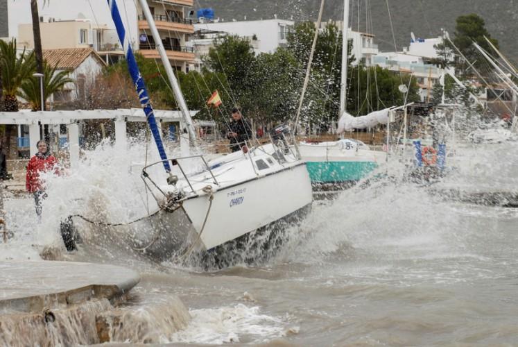 Hiszpania: 12 zabitych wskutek sztormu Gloria - GospodarkaMorska.pl