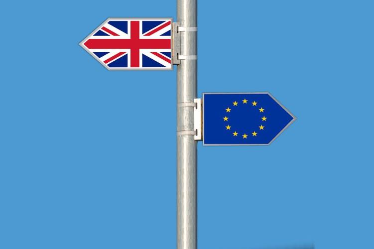 UE zakończyła procedurę dotyczącą umowy o wyjściu Wielkiej Brytanii - GospodarkaMorska.pl