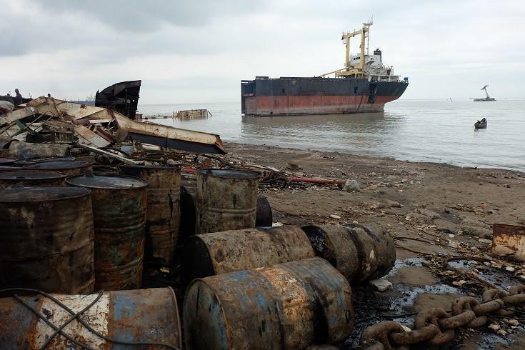 NGO Shipbreaking Platform: Firmy żeglugowe wciąż najchętniej korzystają z najgorszych stoczni złomujących - GospodarkaMorska.pl