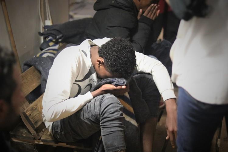 Co najmniej 14 osób zginęło w wyniku zatonięcia łodzi z uchodźcami - GospodarkaMorska.pl
