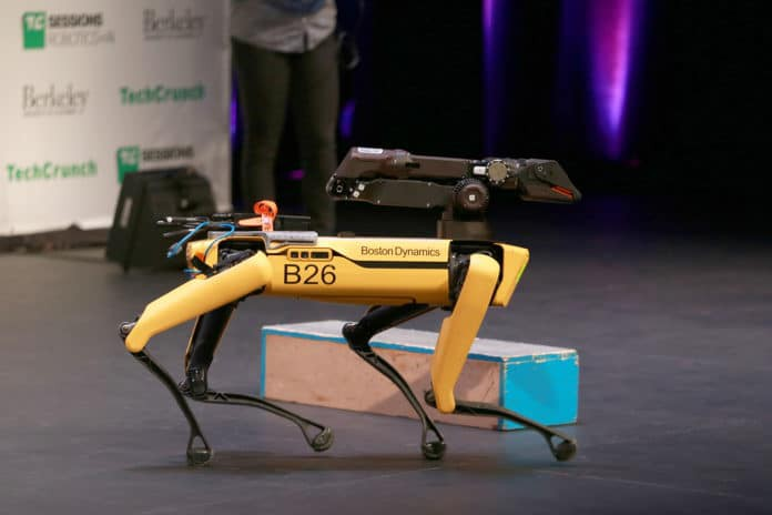 Pies-robot będzie patrolował norweską platformę wiertniczą (wideo) - GospodarkaMorska.pl