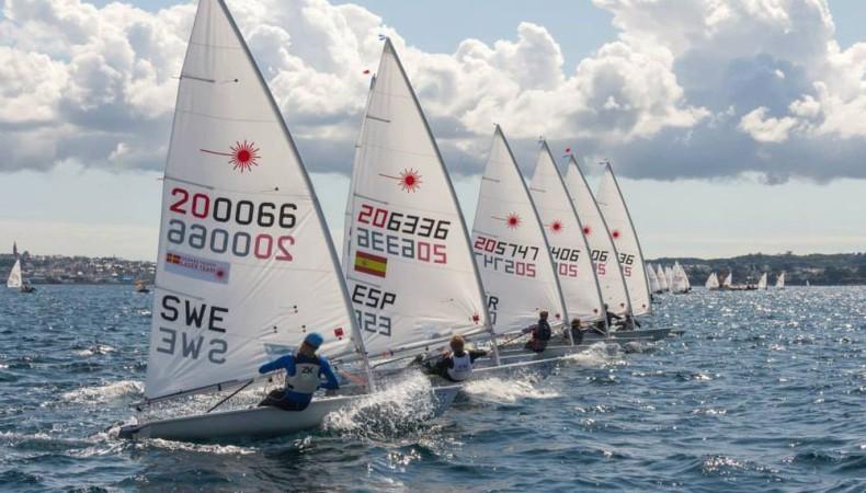 MŚ w klasie Laser Standard – Kubiak w grupie żeglarzy walczących o medale - GospodarkaMorska.pl