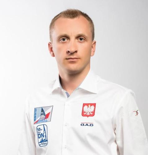 Łukasz Zakrzewski bojerowym mistrzem świata 2020 w klasie DN, Karol Jabłoński wicemistrzem! - GospodarkaMorska.pl
