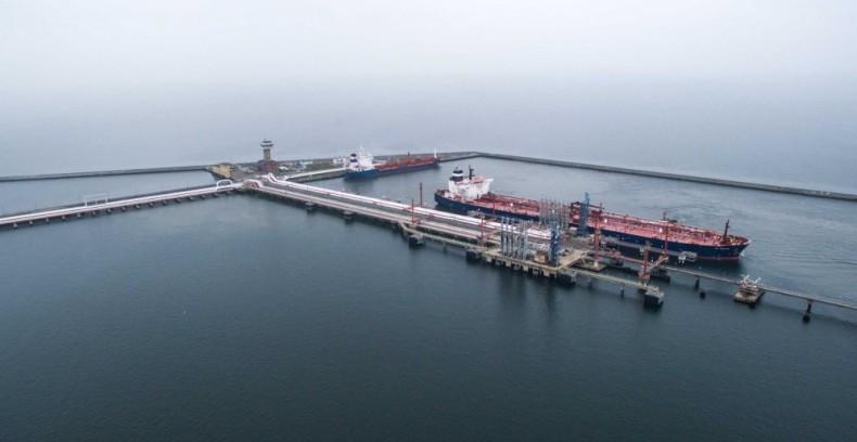 Łukaszenka negocjuje w sprawie dostaw ropy z Gdańska przez rurociąg Przyjaźń - GospodarkaMorska.pl