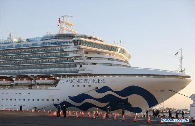 Około 500 pasażerów opuściło pokład Diamond Princess - GospodarkaMorska.pl