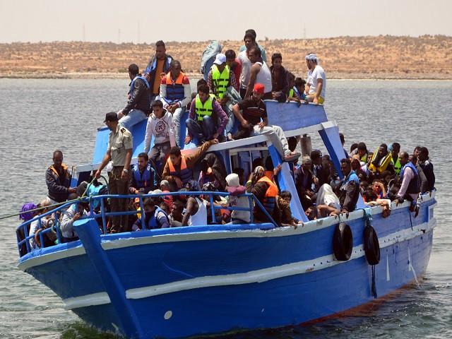 Utonęła łódź z ponad 90 migrantami na pokładzie - GospodarkaMorska.pl