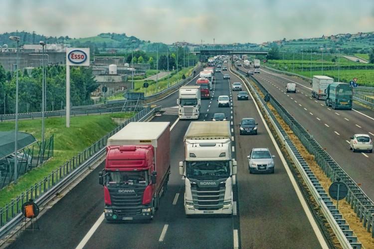Pracodawcy i związkowcy podpisali porozumienie na rzecz bezpiecznego transportu - GospodarkaMorska.pl