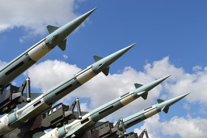 Podpisano umowy PGZ-Raytheon związane z dostawami polskich baterii Patriot - GospodarkaMorska.pl