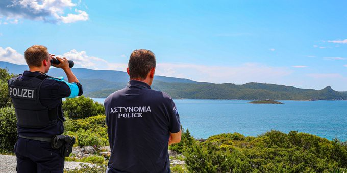 Frontex zainterweniuje na granicach Grecji - GospodarkaMorska.pl