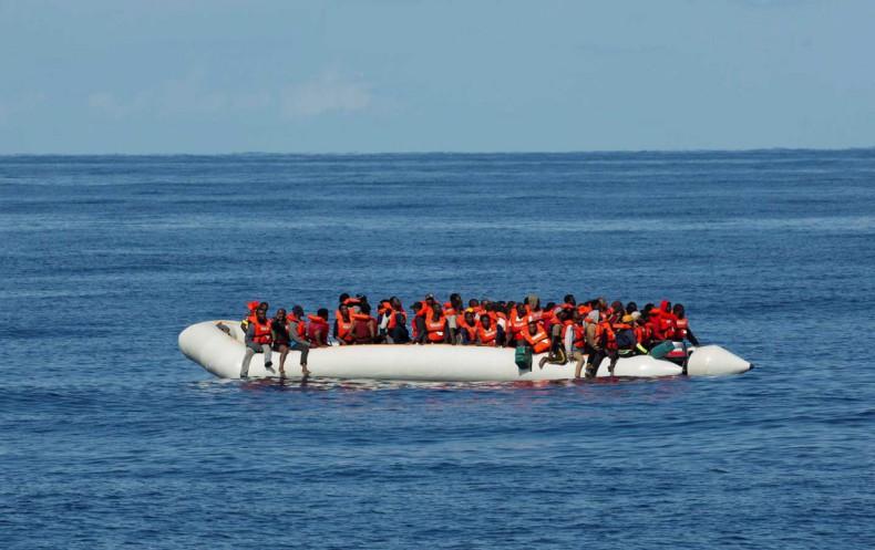 Komisja Europejska zapowiada pomoc dla Grecji w sprawie uchodźców - GospodarkaMorska.pl