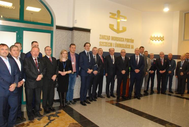 Kolejne kroki w integracji branży logistycznej - GospodarkaMorska.pl
