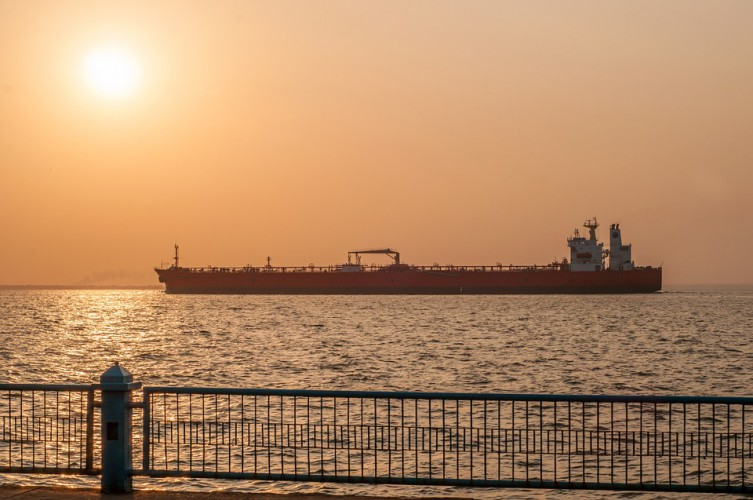 Białoruś: W marcu planowane dostawy 250 tys. ton ropy z Azerbejdżanu - GospodarkaMorska.pl