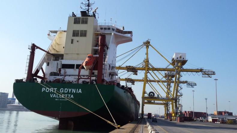 Polskie Linie Oceaniczne planują wymianę statków na nowocześniejsze - GospodarkaMorska.pl