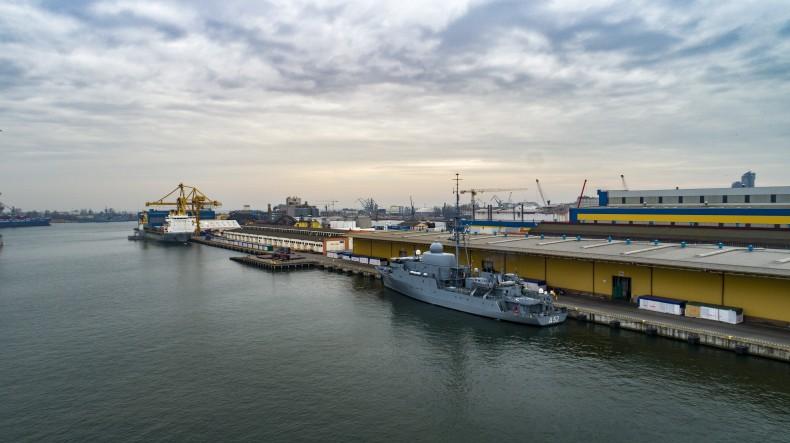 Wizyta dyplomatyczna niemieckiego okrętu w Gdyni (foto, wideo) - GospodarkaMorska.pl