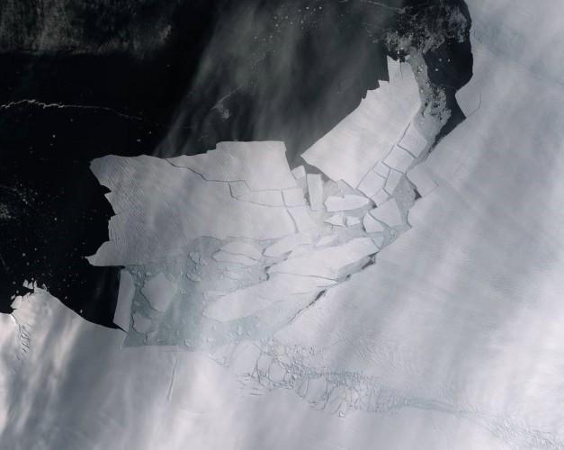 Lodowce topnieją jeszcze szybciej. Od Antarktydy oderwał się lądolód wielkości Malty (video) - GospodarkaMorska.pl