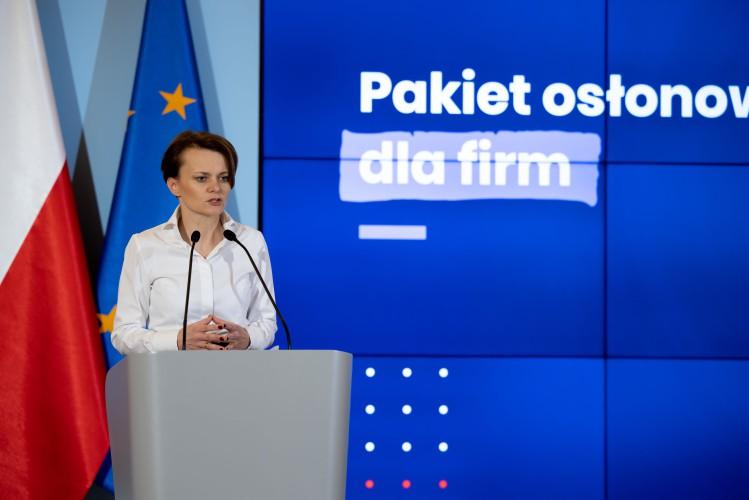 Pomoc dla firm w związku z pandemią koronawirusa. Co będzie zawierał pakiet osłonowy w rządowej specustawie? - GospodarkaMorska.pl