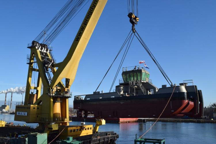 Kolejne wodowanie w gdańskiej stoczni Safe (foto) - GospodarkaMorska.pl