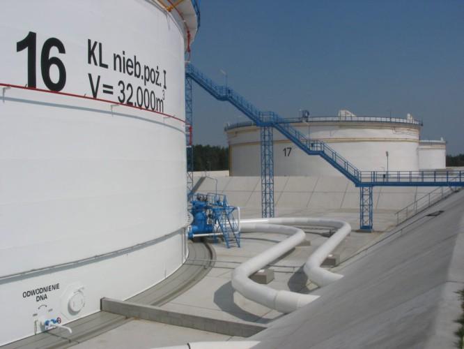 PKN Orlen planuje budowę zbiorników na ropę w ramach systemu blendingu surowca - GospodarkaMorska.pl