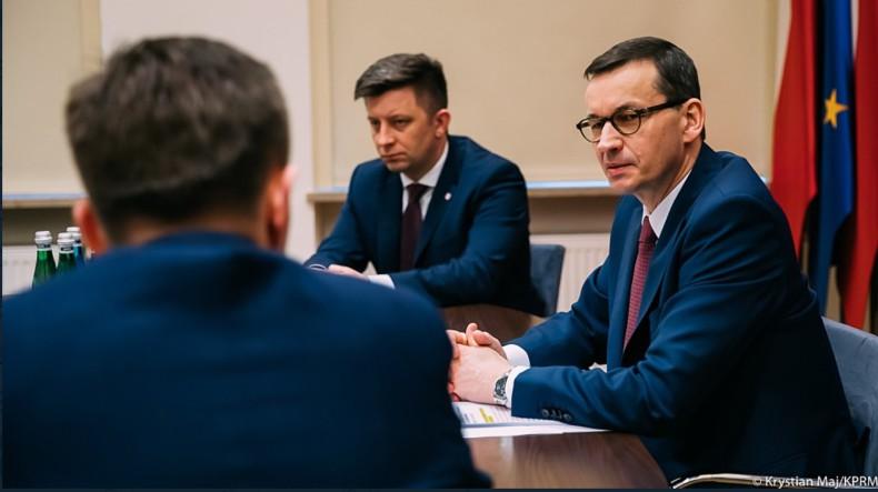 Premier: epidemia koronawirusa bardzo mocno uderzy w gospodarkę - GospodarkaMorska.pl