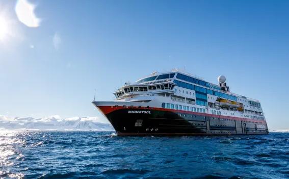Tysiące bez pracy po zwolnieniach w Hurtigruten, Color Line i Fjord Line - GospodarkaMorska.pl